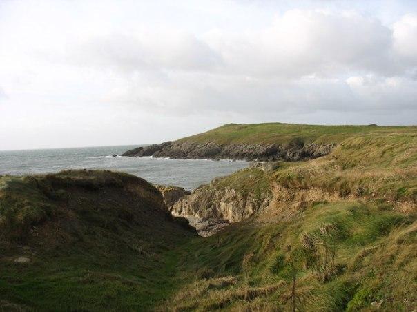 Porth_Trecastell_-_Anglesey