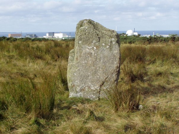 Dounreay_Standing_Stone_with_reactor_behind_-_geograph.org.uk_-_914993