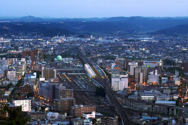 1024px-Fukushima_City_with_a_view_of_Fukushima_Station