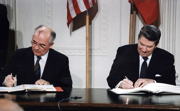 1024px-Reagan_and_Gorbachev_signing