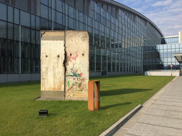 1024px-Berlin_Wall_at_NATO_Headquarters